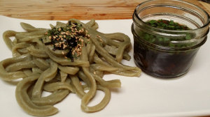 Cold Moringa Udon with Dipping Sauce